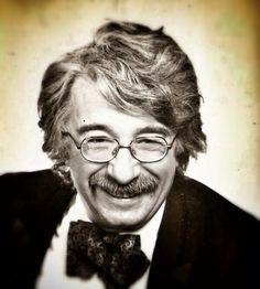 Türk tiyatro, sinema ve karikatürünün usta sanatçısı Altan Erbulak.Turkish artist