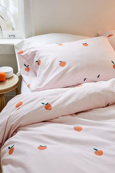 Get a good nights sleep with our range of bedroom essentials, including duvet sets, blankets, pillowcase sets, tapestries and more with Urban Outfitters. Cute Duvet Covers, Bed Duvet Covers, Duvet Sets, Duvet Cover Sets, Bedding Sets Uk, Peach Bedding, Duvet Bedding, Peach Bedroom, Master Bedroom