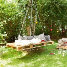 65 Comfortable Hanging Swing Chair Ideas On A Budget Garden Deco, Garden Art, Diy Garden, Pallet Furniture, Garden Furniture, Garden Hammock, Hanging Swing Chair, Pallet Designs, Outdoor Living