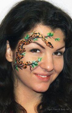 Olga Meleca    one stroke leaves, python #facepaint