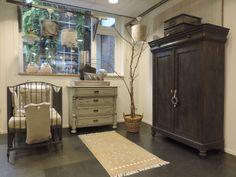 Babykamer 'Zonnige Vreugde' Antieke gerestylde babykamer met een tweede leven. Alle meubels zijn uniek! www.nieuwedromen.nl