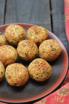 Paneer, Millet And Dudhi Koftas - Airfryer Recipe Leftover millets, paneer and bottle gourd come together to make a delicious snack, perfect for the cold weather days. Vegetarian Recipes Easy, Vegetable Recipes, Indian Food Recipes, Cooking Recipes, Healthy Recipes, Vegaterian Recipes, Curry Recipes, Vegetarian Food, Ancient Indian Recipe