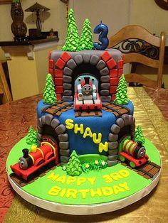 Thomas the tank engine cake | carla_uo | Flickr