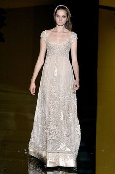 Elie Saab Fall 2006 Couture Collection Elie Saab Fall, Stunning Dresses, Beautiful Gowns, Pretty Dresses, Bridal Gowns, Wedding Gowns, Modest Wedding, Ellie Saab, Couture Dresses