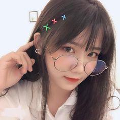 New glasses girl hot hair Ideas Korean Girl Photo, Cute Korean Girl, Uzzlang Girl, Hey Girl, Cute Girl Face, Cool Girl, Girl Korea, Korean Beauty Girls, Cute Japanese Girl