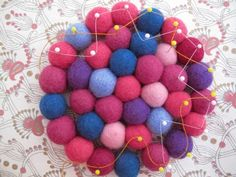 Stitch through 2 outside balls and then through single ball in the inner ring, - Lilly is Love Felt Crafts, Diy And Crafts, Felt Ball Rug, Diy Handbag, Crafty Kids, Needle Felting, Wool Felt, Creations, Elsa