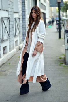 Maja wyh - Casual chic outfit idea. Skinny flare boot cut denim with long cardigan and layering