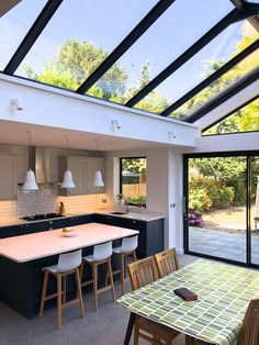 Quality Bespoke Kitchens Hampton & Teddington - House Plans, Home Plan Designs, Floor Plans and Blueprints Kitchen Diner Extension, Open Plan Kitchen Diner, Open Plan Kitchen Living Room, Open Plan Living, Open Plan House, Open Space Living, Bespoke Kitchens, Luxury Kitchens, Kitchens Uk