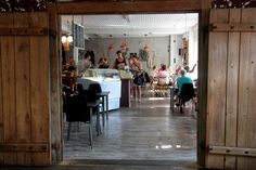 Kellokosken vanhan Ruukin alueella sijaitsee persoonallinen kahvila-ravintola Kinuskilla. #tuusula #finland