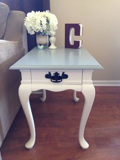 painting queen anne furniture at DuckDuckGo Refurbished Furniture, New Furniture, Furniture Makeover, Repurposed Furniture, Refurbished End Tables, Furniture Stores, Furniture Ideas, Painted End Tables, Diy End Tables