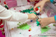Do your kids like sensory play? Check out this fun Christmas Nutcracker Themed Sensory Bin - easy to throw together and perfect for the holiday season! Sensory Table, Sensory Bins, Sensory Play, Nutcracker Christmas, Christmas Fun, Holiday, Create An Animal, Animal Habitats, Invitations