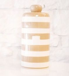 Our new Mini Canister in Neutral makes smart storage stylish and swoon-worthy. Attach a Sugar, Flour, Tea or Coffee Mini Attachment.