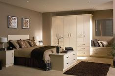 The way to Select Bedroom Moving Wardrobes Which Are User Friendly