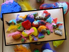 Rock pets is a great activity to engage children in creative art and imaginative play! Preschool Zoo Theme, Natural Playground, Playground Ideas, Seaside Holidays, Rock And Pebbles, Reggio Emilia, Walking In Nature, Imaginative Play, Kindergarten Activities