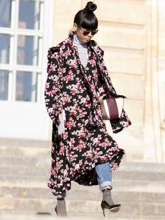 旬ブランドの花柄ドレスとレイヤード|スージー・ロウ(Susie Lau)のスナップ