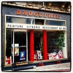 #Challenge #igf_midiminuit145 d' @igersfrance : #repost d'une #façade de #droguerie #rétro de #BriveLaGaillarde !  #vintage #Brive #ILoveBG #Corrèze #Limousin #correzetourisme #zecorreze #france #ig_france #igersfrance #oldshop #vintageshop