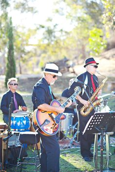 A jazz ensemble played accompanied an outdoor reception. Image courtesy of Emma Sharkey Photography.
