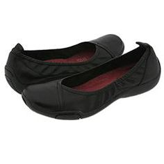 Naturalizer Creston - I know... not very stylish, but my feet don't do style anymore, they do comfort!!!