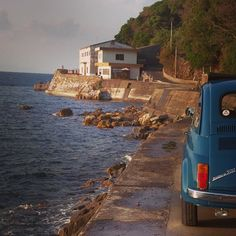 What do you say about simple life and #Fiat500? Sounds perfect for us.  - WISH MY FIAT WAS PARKED NEXT TO THAT!!!! haha