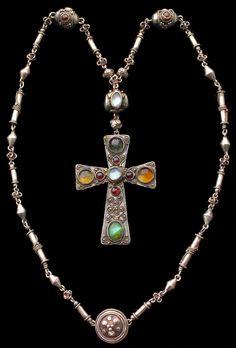 cgmfindings:  Arts & Crafts Double Sided Necklace  Silver Enamel Sapphire Citrine Emerald Moonstone Garnet British, c.1900 JOHN HAUGHTON MAURICE BONNOR 1875-1917