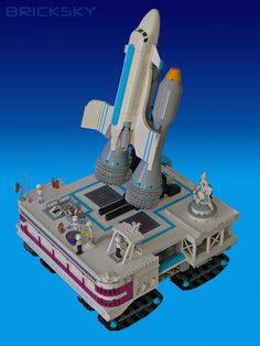 This is the HLC Space Center, which is a completely mobile operation. Cool Lego, Awesome Lego, Lego Sculptures, Lego Man, Space Center, Lego Creations, Legos, Building, Tanks