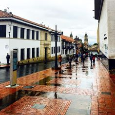 Bogota during rain Rain, City, Travel, The World, Colombia, South America, Forests, Pintura, Colors
