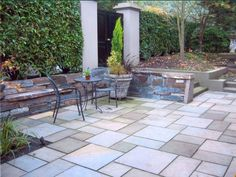 Change an unused space into an outdoor living room by adding a gorgeous patio. How about a winding path to a secret garden or a walking path for meditation? Big or small, we can create beautiful patios and pathways that transform the way you use your landscape.