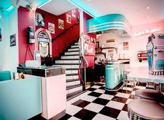 Signature blush and mint theme at HD Diner St Michel, Paris.