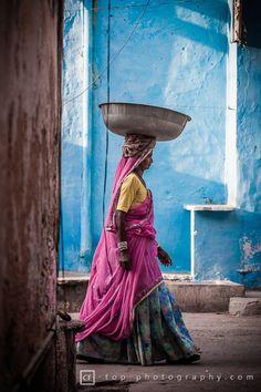 Mujeres fuertes trabajadoras y comprometidas es lo que necesita este mundo para mejorarlo. Life in Pushkar, India