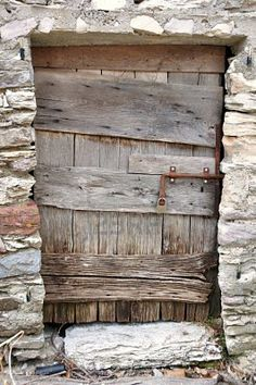 . Old Wood Doors, Rustic Doors, Wooden Doors, Old Windows, Windows And Doors, Door And Window Design, Rustic Background, Cool Doors, Looking Out The Window
