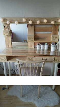 Ineffable Chest of Drawers from Wooden Pallets Ideas. Prodigious Chest of Drawers from Wooden Pallets Ideas. Palette Furniture, Diy Pallet Furniture, Diy Pallet Projects, Furniture Making, Pallet Ideas, Palette Deco, Diy Vanity, Diy Pallet Vanity, Wood Vanity