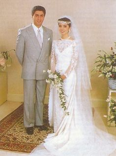 Royal Wedding Gowns, Royal Weddings, Wedding Dresses, Royal Queen, King Queen, Pahlavi Dynasty, The Shah Of Iran, Farah Diba, Transition To Gray Hair