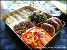 봄햇살 만큼 따사로운 서방님 도시락 ^^* – 레시피 | Daum 요리 Korean Diet, Korean Food, Bento Box Lunch For Adults, Lunch Box, Asian, Side Dishes, Food And Drink, Favorite Recipes, Homemade