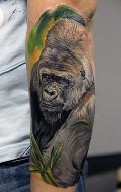 Gorilla Tattoo Designs for Men Monkey Tattoos, Tattoos Skull, Animal Tattoos, Sleeve Tattoos, Gorilla Tattoo, Badass Tattoos, Cool Tattoos, Self Made Tattoo, Jungle Tattoo