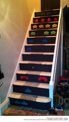 Space Invader staircase. Definitely having this in my ultimate geek house of nerdery.