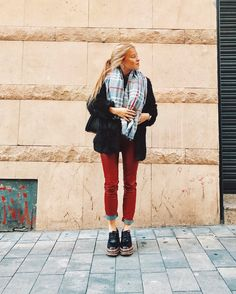 When meeting ✔️ ⏰ heyhoo tuesday Winter Outfits, Casual Outfits, Fashion Outfits, Fashion Styles, Women's Fashion, Winter Looks, Winter Style, Urban Fashion, Fashion Looks