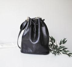 Hey, I found this really awesome Etsy listing at https://www.etsy.com/listing/208286754/lilly-tote-black-leather-bucket-bag-new
