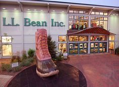 The catalog come to life in Freeport, Maine: shopping Mecca, fun demonstrations, and a giant boot!