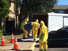 Scary Photos Of Hazmat Team Disassembling Ebola Patient Apartment