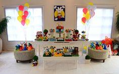Mickey e sua turma estão entre os mais desejados para as decorações de festas infantis. É um tema que sempre faz sucesso. De Maria Flor Festas. Foto: Divulgação