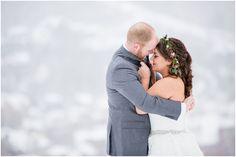 Snowy Colorado Wedding | Dress: The Bridal Collection | Photo: Sarah Roshan Photo