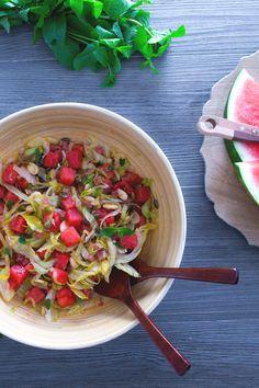 Insalata di anguria: una ricetta facile e veloce da servire come originale antipasto estivo o come contorno ricco e colorato! (Watermelon salad)