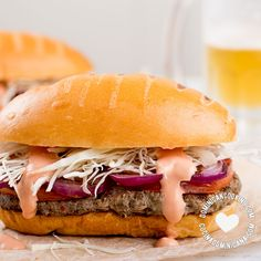 Chimichurri Recipe (Dominican Chimi Hamburger): a sauce-dripping burger made throughout the Dominican Rep. in street stands, each with their own and flavor. Cuban Recipes, Burger Recipes, Spanish Recipes, Yummy Recipes, Spanish Dishes, Spanish Food, Colombian Food, Caribbean Recipes, Caribbean Food