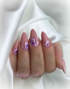 IN LOVE WITH NUDE