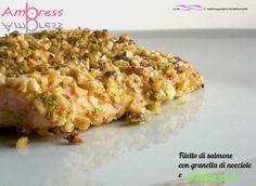 Filetto di salmone con granella di nocciole e pistacchi.  http://blog.giallozafferano.it/weddingplanneraifornelli/filetto-di-salmone-con-granella-di-nocciole-e-pistacchi/