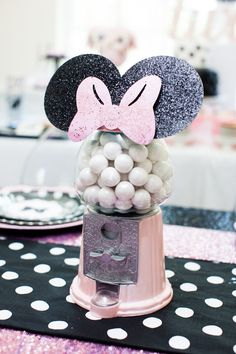 We Heart Parties: Riann's 2nd Birthday: A Minnie Mouse Soiree
