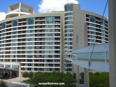Bay Lake Tower, connected to Disney's Contemporary Resort by a covered Sky Way Bridge. It is the newest Disney Deluxe Villa resorts. Disney Vacation Club, Disney Vacations, Disney Trips, Disney Travel, Disney World Hotels, Disney World Resorts, Walt Disney World, Disney Timeshare, Bay Lake Tower