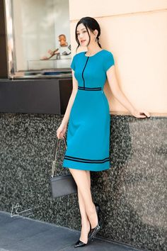 Simple Dresses, Cute Dresses, Casual Dresses, Simple Frocks, Skirt Fashion, Fashion Dresses, Cute Modest Outfits, Business Outfits Women, Short Gowns