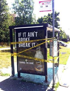 The Worst Advertising Placement Fails Wtf Funny, Funny Memes, Crazy Funny, Advertising Fails, Broken Broken, Picture Fails, Friday Humor, Someecards, Best Funny Pictures