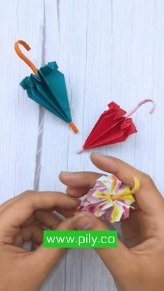 Diy Crafts Hacks, Diy Crafts For Gifts, Creative Crafts, Instruções Origami, Paper Crafts Origami, Origami Toys, Origami Umbrella, Paper Umbrellas, Cool Paper Crafts